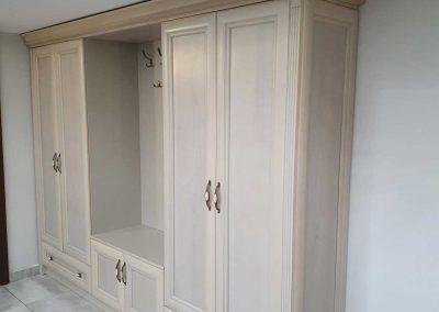 Mobilier hol clasic cu front lemn